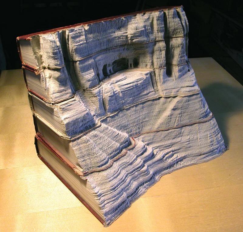Что можно сделать из старой книги своими руками